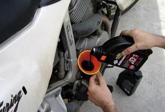 Les actions de l'huile sur le moteur d'une moto