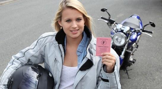 Permis moto : peut-on récupérer ses points de permis ?