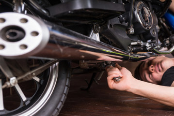 Entretien moto : comment prendre soin de son amortisseur ?
